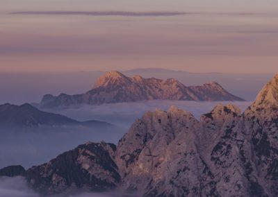 mountainsBG